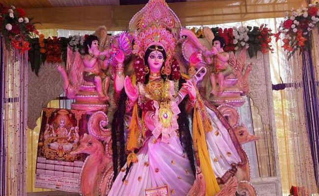 29 को मनाया जायेगा सरस्वती पूजनोत्सव, मूर्ति को आकार देने में जुटे हैं राजस्थान के मूर्तिकार