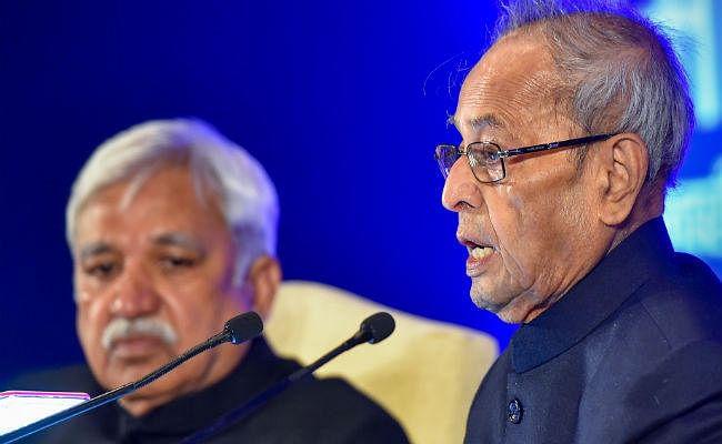 पूर्व राष्ट्रपति प्रणब मुखर्जी ने कहा- सड़क पर उतरे युवाओं के विचार अहम