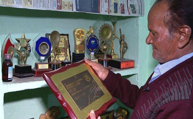 नागपुरी गायक मधु मंसूरी हंसमुख और शशधर आचार्य पद्मश्री से सम्मानित