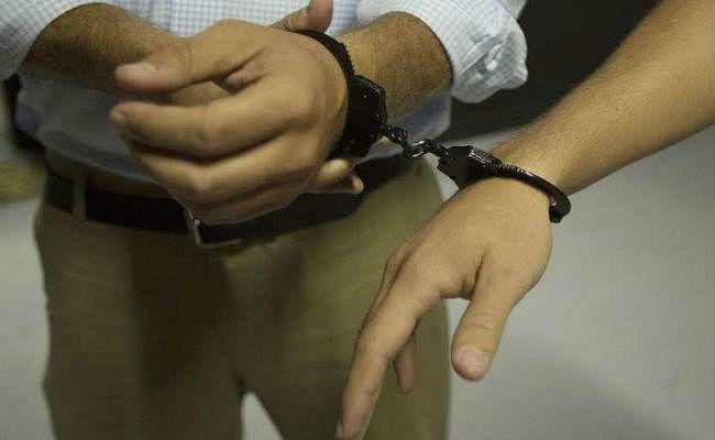 दोहरे हत्याकांड में दंपती गिरफ्तार
