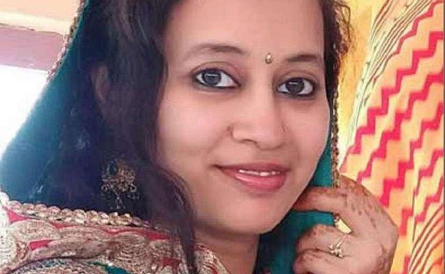 Shocking: कलियुगी मां ने पार की निर्दयता की हद, 2 महीने की बच्ची को मारकर मैनहोल में फेंका