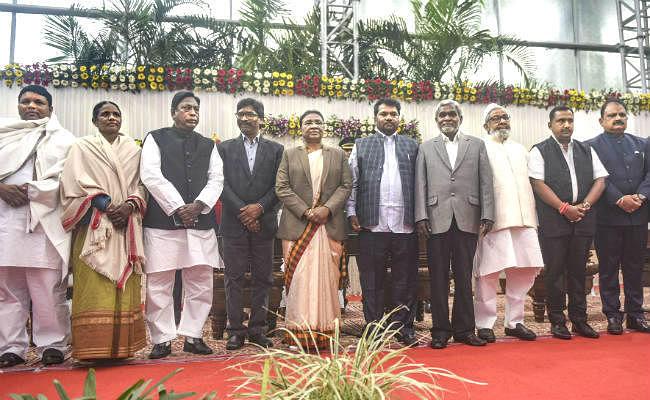 Jharkhand : हेमंत मंत्रिमंडल का विस्तार, JMM के 5 और कांग्रेस के 2 विधायक बनें मंत्री