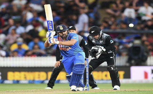 INDvsNZ:  'हिटमैन'' ने सुपर ओवर में दिलाई भारत को रोमांचक जीत, सीरीज पर कब्जा