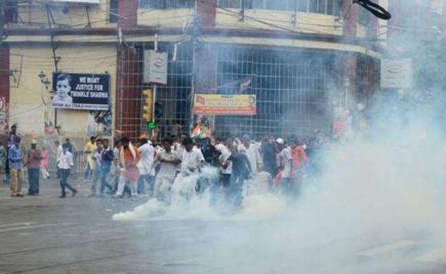 सीएए के खिलाफ प्रदर्शन के दौरान झड़प, उपद्रवियों ने बम फेंके, चलायी गोली, दो मरे