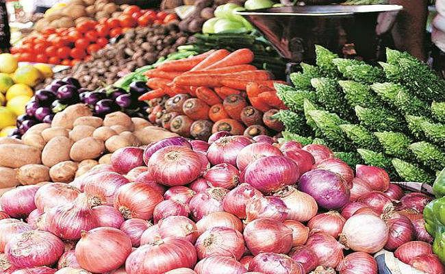 आर्थिक समीक्षा : सब्जी और दालों ने बढ़ायी खुदरा महंगाई, खाने-पीने की चीजों की कीमतों में तेजी का रुख