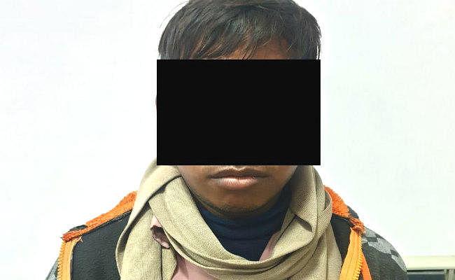 कोलकाता के व्यक्ति से 6.5 लाख की ठगी करने वाला देवघर का युवक गिरफ्तार