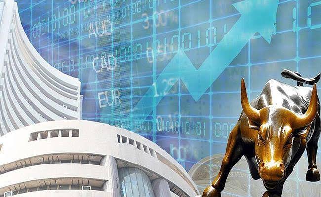 बजट के बाद शेयर बाजार में उतार-चढ़ाव, सेंसेक्स-निफ्टी में गिरावट जारी,रुपया भी टूटा