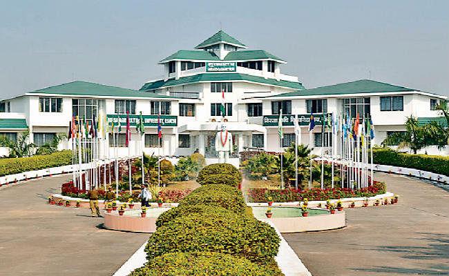 बीएयू में बाहरी वीसी पूरा नहीं कर पा रहे कार्यकाल, नये कुलपति की नियुक्ति के लिए आये सौ से अधिक आवेदन
