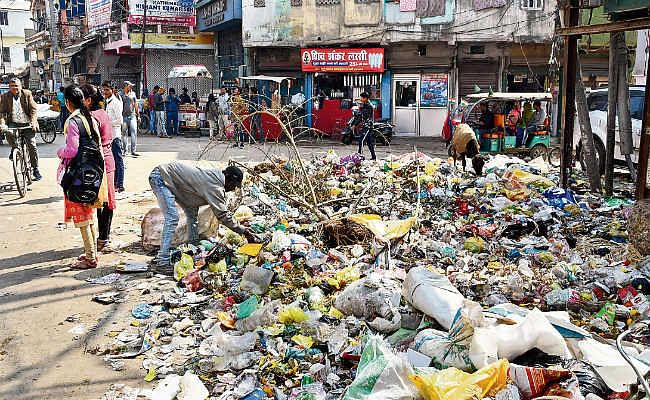 168 घंटे से हड़ताल पर निगमकर्मी , पटना में जमा हुआ 5600 टन कचरा, सैनिटाइजेशन का काम ठप