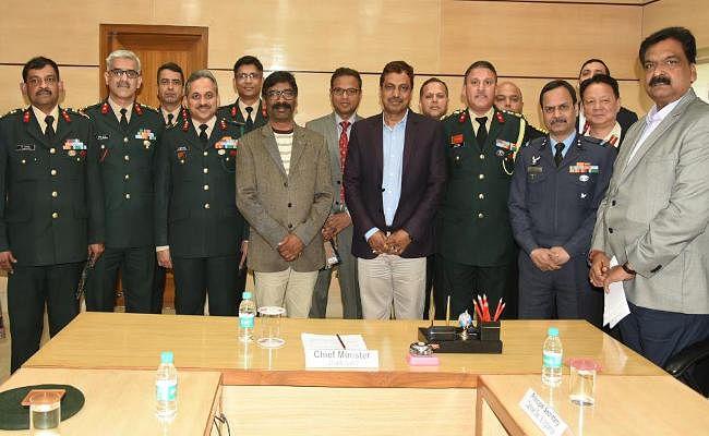 मुख्यमंत्री हेमंत सोरेन ने कहा : सेना की वर्दी को देखकर होता है अभिमान, झारखंड के युवाओं में अपार क्षमता