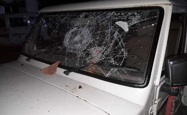 शेखपुरा : छापेमारी करने पहुंची उत्पाद टीम पर हमला, एसआई समेत 3 जवान जख्मी