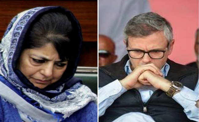 जम्मू-कश्मीर: महबूबा- उमर के खिलाफ हिरासत के अंतिम दिन PSA के तहत मामला दर्ज, भड़का विपक्ष