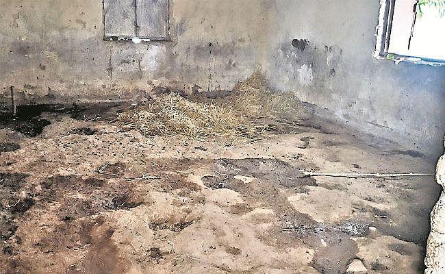 खंडहर होते स्कूल : चोरों और दबंगों के निशाने पर धनबाद, बोकारो और गिरिडीह के 524 बंद विद्यालयों के भवन