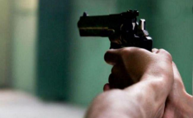 सिमडेगा : हथियार के बल पर 1 लाख 20 हजार की लूट