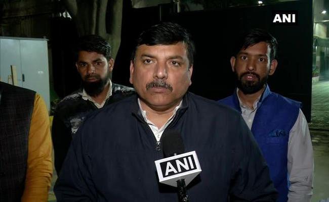Delhi Polls 2020 : केजरीवाल ने प्रशांत किशोर के साथ की मीटिंग, AAP ने EVM पर कही यह बात