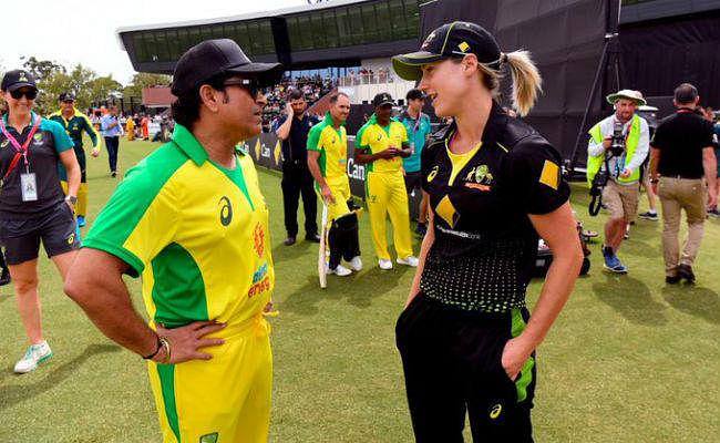 ऑस्ट्रेलिया की जर्सी पहनकर सचिन तेंदुलकर ने थामा बल्ला, पहली ही गेंद पर जड़ दिया चौका