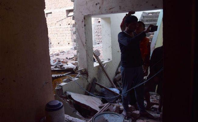 पटना : छोटे सिलेंडर में विस्फोट से चार मकान क्षतिग्रस्त, पांच लोग जख्मी, FSL टीम को बुलाया गया
