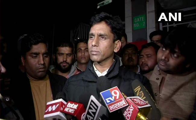 दिल्ली: जीत का जश्न मना रहे आप विधायक के काफिले पर गोलीबारी, एक कार्यकर्ता की मौत, हिरासत में आरोपी