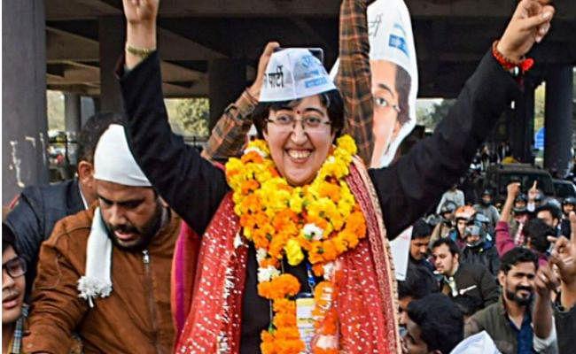 दिल्ली विधान सभा में इस बार आठ महिलाएं क्या मिलेगा मंत्रीपद?