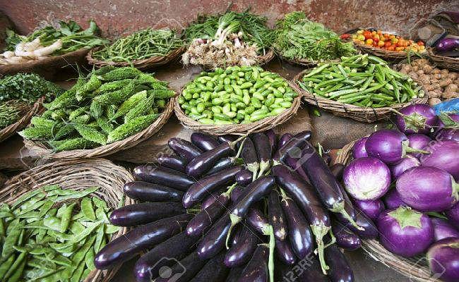 जनवरी में दाल-सब्जी समेत खाने-पीने की चीजें हुईं महंगी, खुदरा महंगाई दर छह साल के उच्चस्तर पर