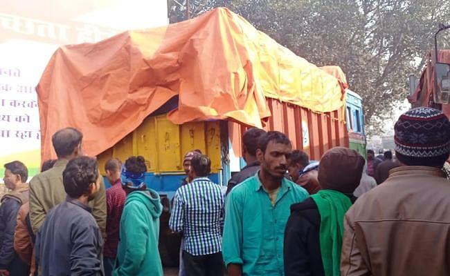 बोकारो से बिहार जा रहा विदेशी शराब लदा ट्रक चंद्रपुरा में जब्त, रांची के चालक समेत दो गिरफ्तार