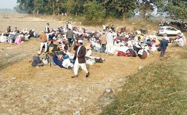 नेपाल में आयोजित इज्तिमा में भाग लेने जा रहे लोगों को सीमा पर रोका गया, फिर...