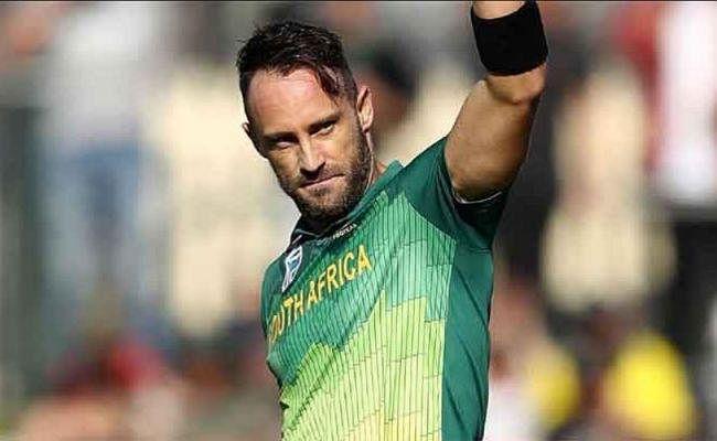 फाफ डु प्लेसिस ने दक्षिण अफ्रीका की टेस्ट और टी20 टीम की कप्तानी तुरंत प्रभाव से छोड़ा