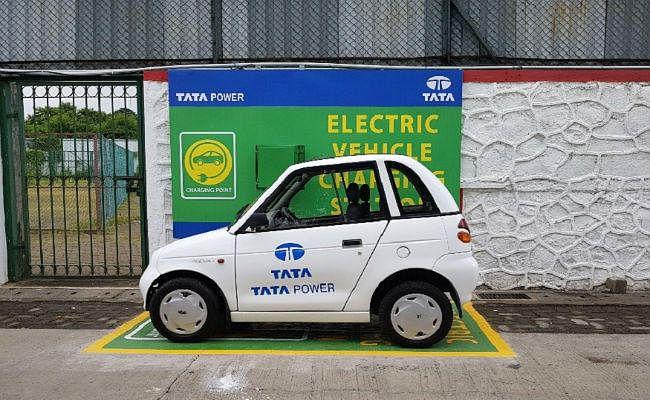2021 तक इलेक्ट्रिक वाहनों को चार्ज करने के लिए 700 स्टेशन लगायेगी टाटा पावर