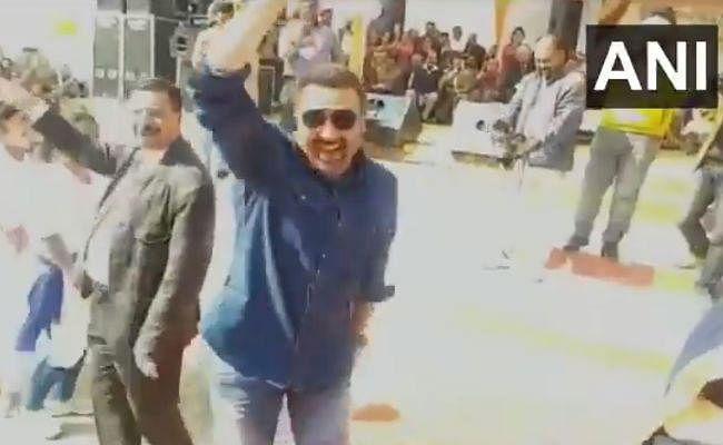 VIDEO : सनी देओल ने ''गदर'' के गाने पर किया डांस, धाकड़ डायलॉग से जीत लिया दिल