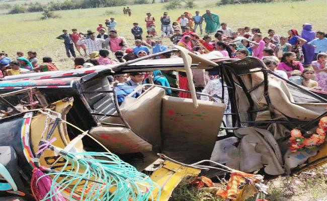 औरंगाबाद में ट्रक और ऑटो के आमने-सामने की टक्कर में तीन लोगों की मौत, नौ लोग घायल