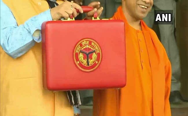 UP 4th Budget Session 2020 : योगी सरकार का बजट 5 लाख करोड़ पार, धार्मिक स्थलों पर विशेष ध्यान