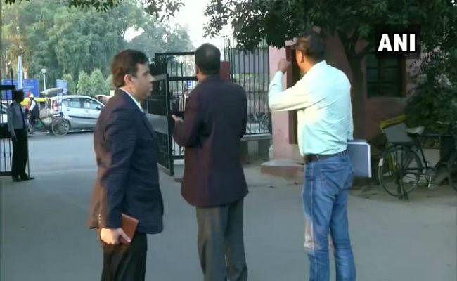 जामिया यूनिवर्सिटी मामला : जांच करने कैंपस पहुंची दिल्ली पुलिस की क्राइम ब्रांच