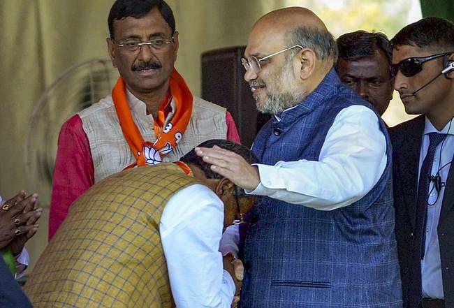Jharkhand: 14 साल बाद भाजपा में हुई बाबूलाल मरांडी की वापसी, अमित शाह का यूं पकड़ा हाथ