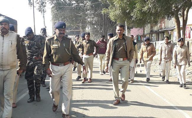 IN PICS : ढुल्लू महतो को गिरफ्तार करने पहुंची पुलिस का चिटाही में हुआ जबर्दस्त विरोध, बैरंग लौटे जवान