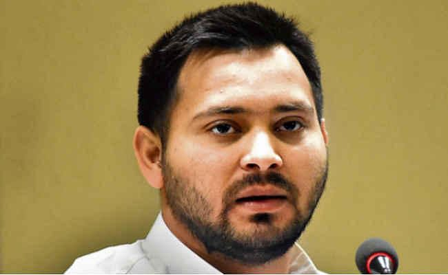 पटना : तेजस्वी ने पीएम नरेंद्र मोदी पर साधा निशाना