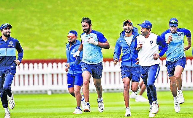 भारत-न्यूजीलैंड पहला टेस्ट मैच आज : पृथ्वी शॉ की एक साल बाद होगी वापसी, उछालभरी पिच पर खेलने को तैयार टीम इंडिया