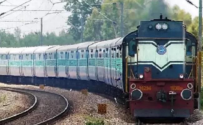 भागलपुर होकर चलने वाली 16 जोड़ी ट्रेनें दो अप्रैल तक रहेंगी रद्द
