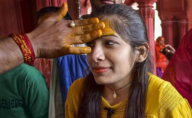 #Mahashivratri: हर हर महादेव के नारे से गूंज उठे शिवालय