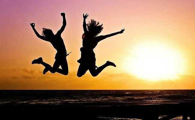अहंकार छोड़ें, आनंद से भर उठेगी जिंदगी