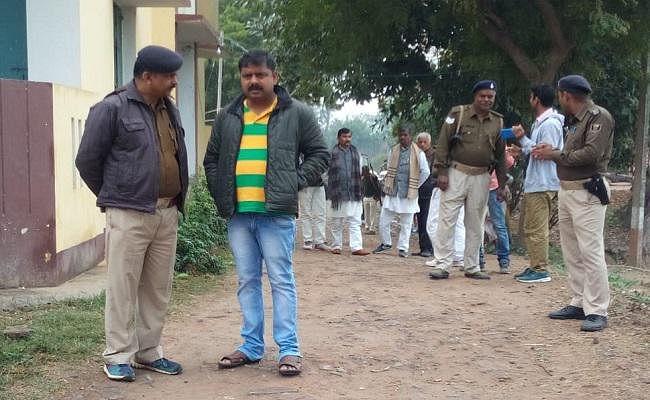 RJD के शराबी नेता की गिरफ्तारी पड़ी भारी, पुलिस पर पथराव, लोगों के साथ नेताजी फरार