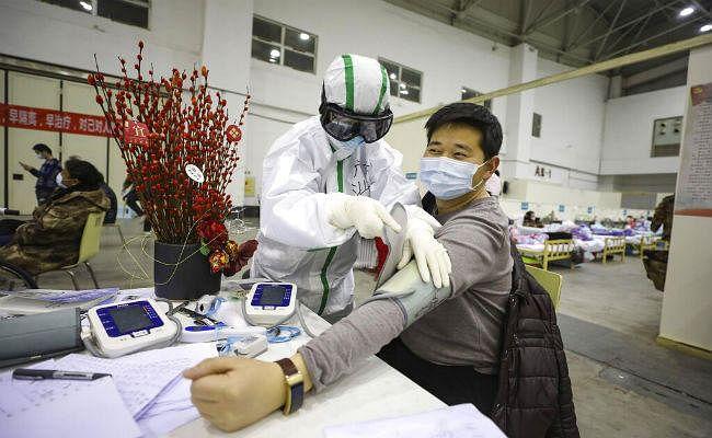 Coronavirus News: चीन में मरने वालों की संख्या 2300 के पार, WHO की टीम वुहान पहुंची
