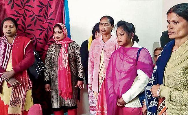 कस्तूरबा गांधी आवासीय विद्यालय की नाबालिग छात्रा के मां बनने का मामला: आठ वार्डन ने दिया इस्तीफा