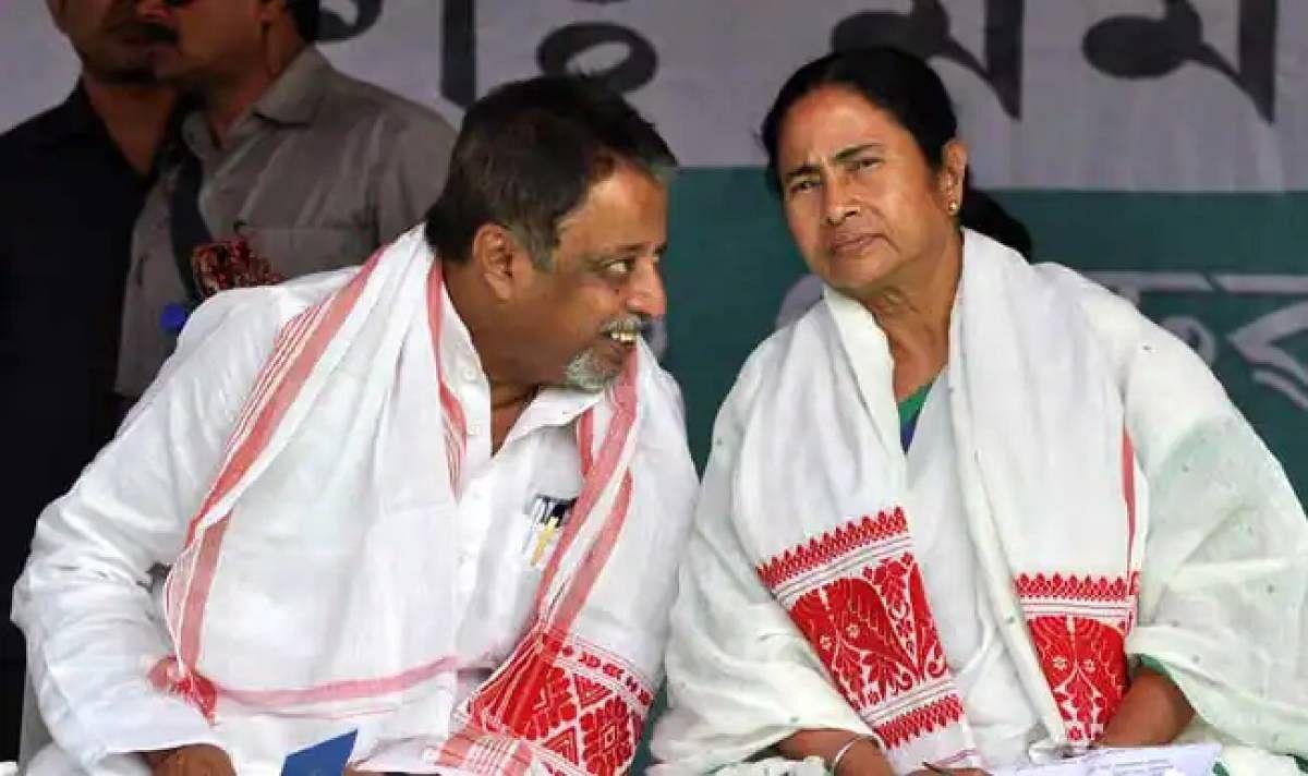 भाजपा के राष्ट्रीय उपाध्यक्ष मुकुल रॉय दीदी की TMC में शामिल, ममता बोली 'घर का लड़का वापस आया है'