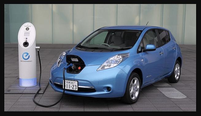 एक इलेक्ट्रिक कार फुल चार्ज होने में कितना वक्त लेती है? प्रति यूनिट दर भी जान लीजिए