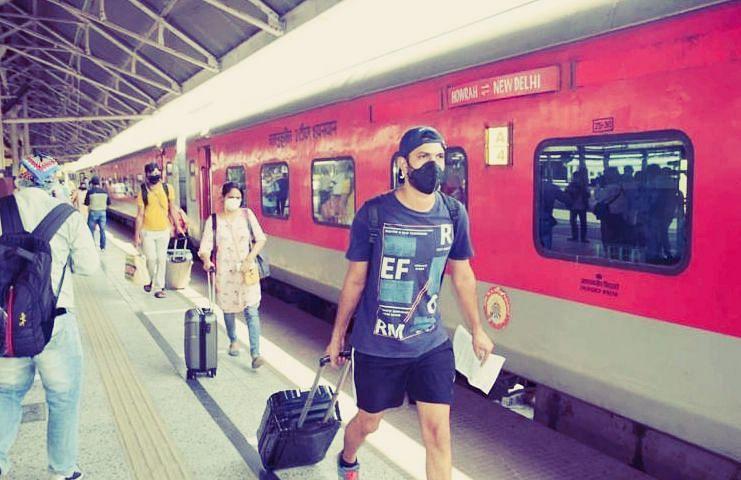 बिना टिकट ट्रेन से यात्रा कैसे करें? नियम और कानून जानिए