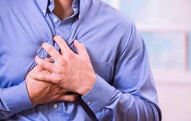 आपके सीने में होने वाला दर्द हार्ट अटैक है या फिर गैस की समस्या कैसे जानें?