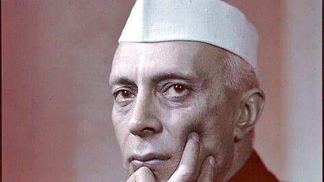 ٹوئٹر چیلنج سے بہت پہلے نہرو نے لکھ دیا تھا 'یوگا میں عدم تشدد اور سچائی کا جذبہ ضروری'