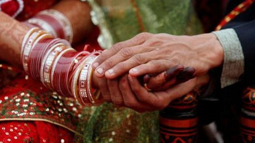 پاکستان: اَب ہندو عورتیں بھی کر سکیں گی دوسری شادی