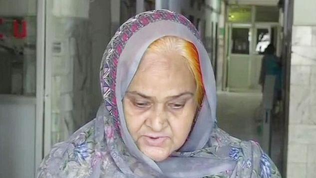 ڈاکٹر کفیل کی ماں کا درد چھلکا، کہا 'میری فیملی کو پولس سیکورٹی چاہیے'