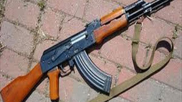 ممتا بنرجی کے گھر کے سامنے 7 راؤنڈ فائرنگ، ایک پولس اہلکار زخمی، سیکورٹی سخت
